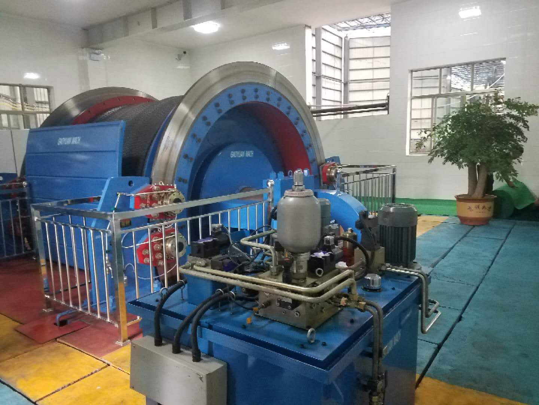 1.永磁電機內裝式礦井提升機