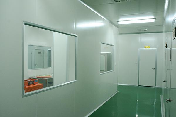 厂区建有两条中药饮片生产线,一般饮片蒸炒炙煅生产车间