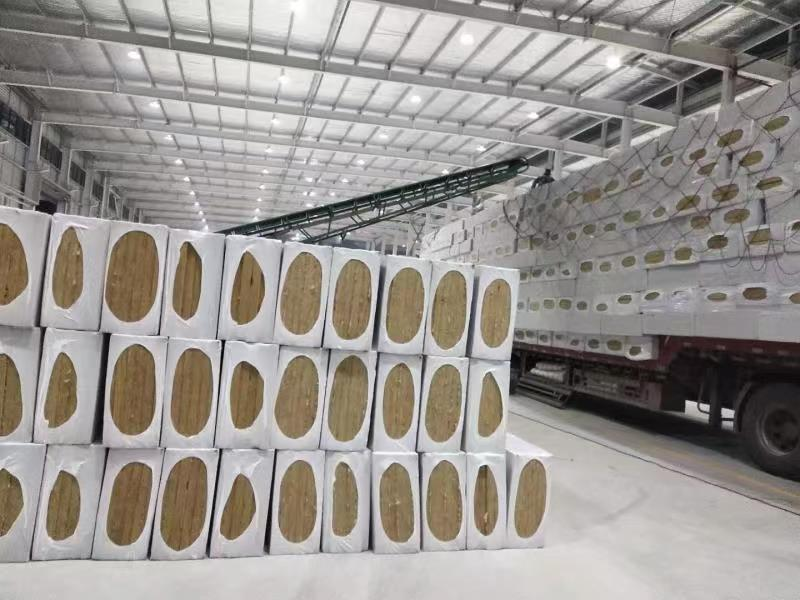 岩棉板的类型与特点?岩棉板生产厂家电话