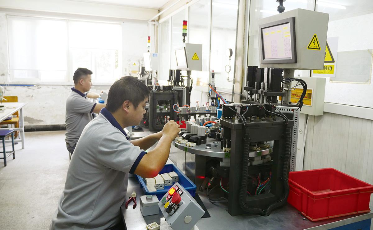 開關盒自動檢測設備