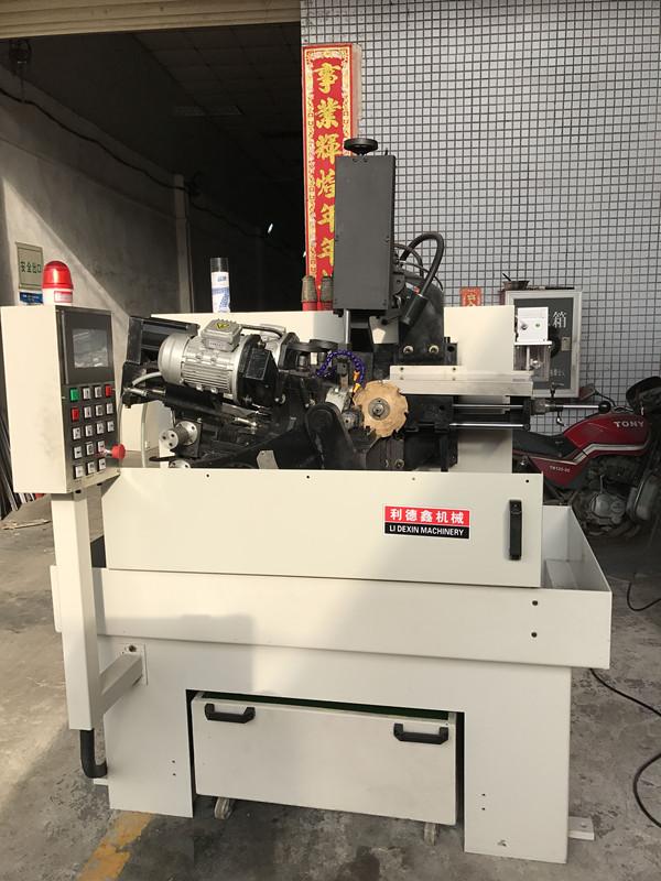LDX-全數控四軸聯動飛刀磨齒機