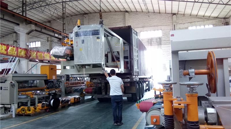 2019年2月份,遼寧沈陽的盧總訂購的瓷磚多功能圓弧磨邊機及數控切割機發貨
