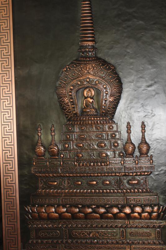 铜浮雕壁画《三佛塔》