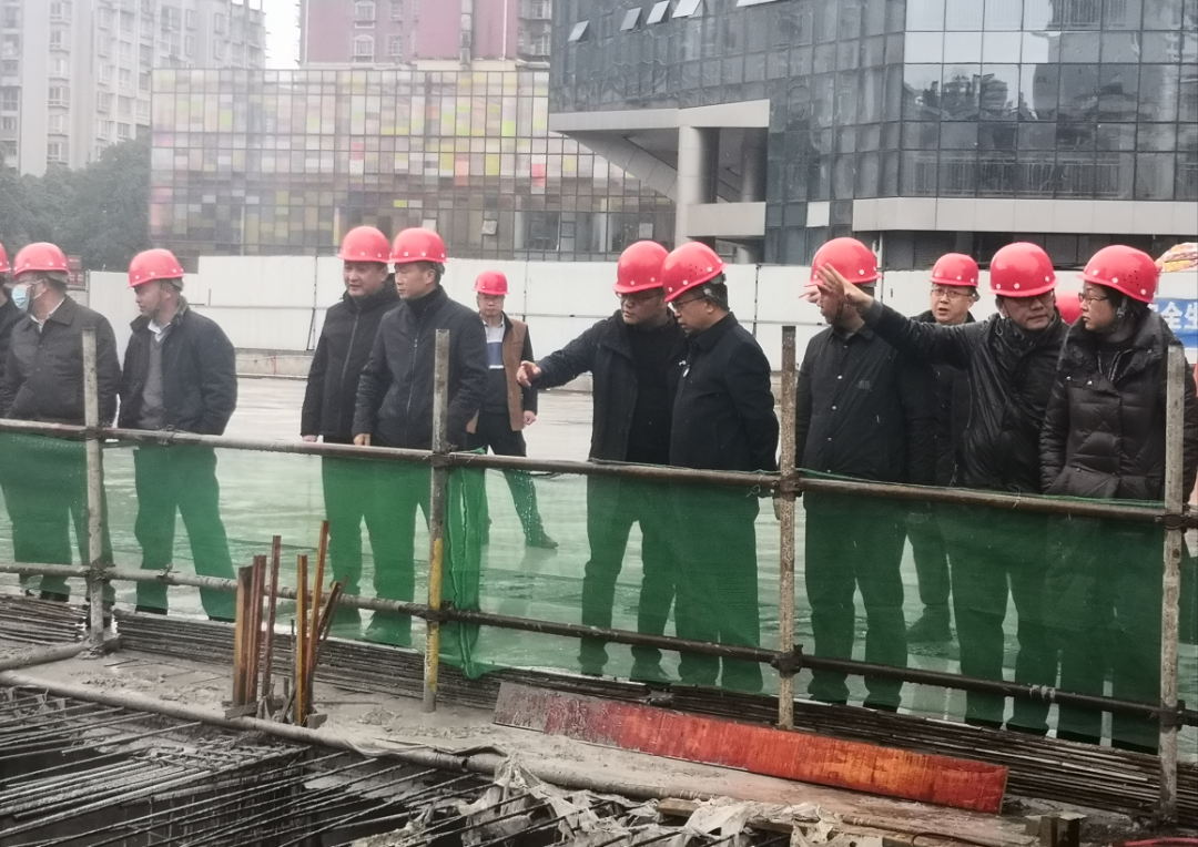 yabo官网班子到小河亚青城项目调研并召开现场会议