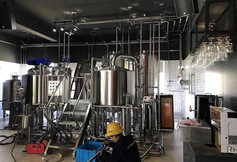 2017年 7月縱環500L精釀啤酒酒吧交鑰匙工程完成安裝