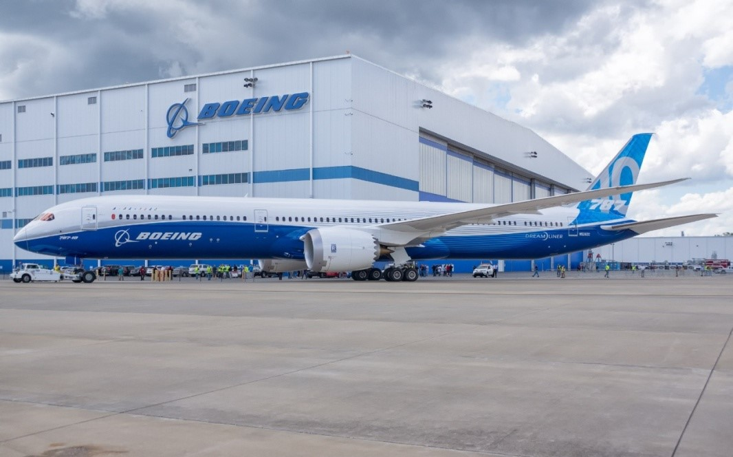 "Hope Deepblue emerged from the international bidding and won the successful bid for the European headquarters of ""Boeing Aircraft Company"", the oil giant ""Italian Eni Group"" and other top 500 enterprises in the world."