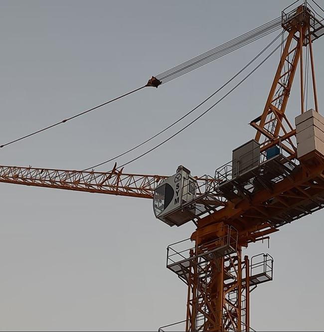 FL25/30在迪拜.jpg