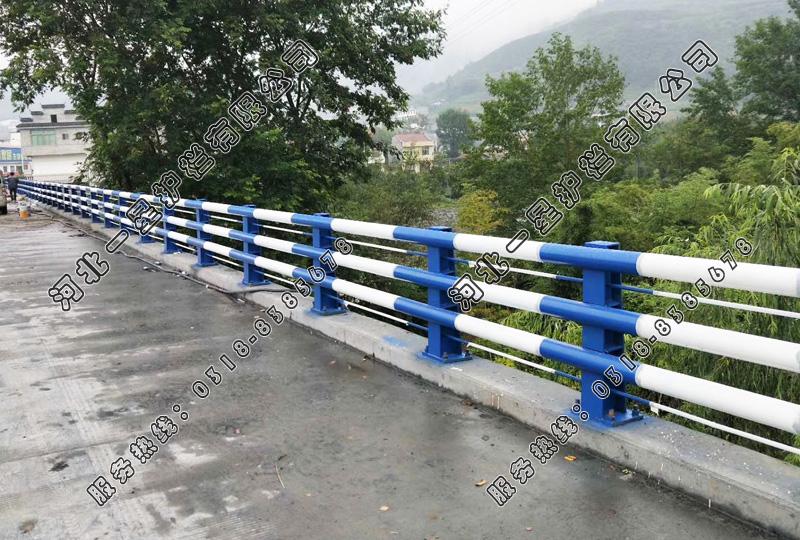 橋梁護欄施工時注意問題