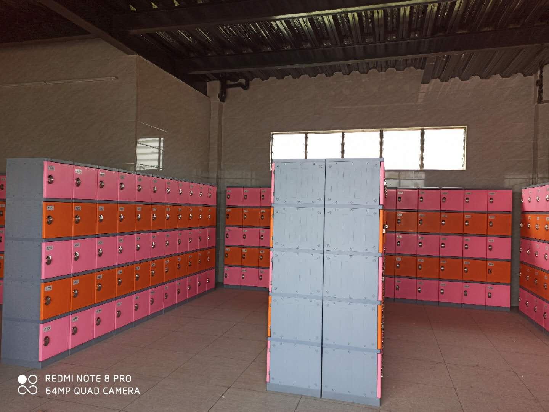 廣州白云區水上樂園塑料更衣柜