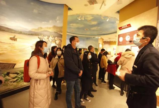 新五豐一、二支部參觀學習湖南黨史陳列館、雷鋒紀念館