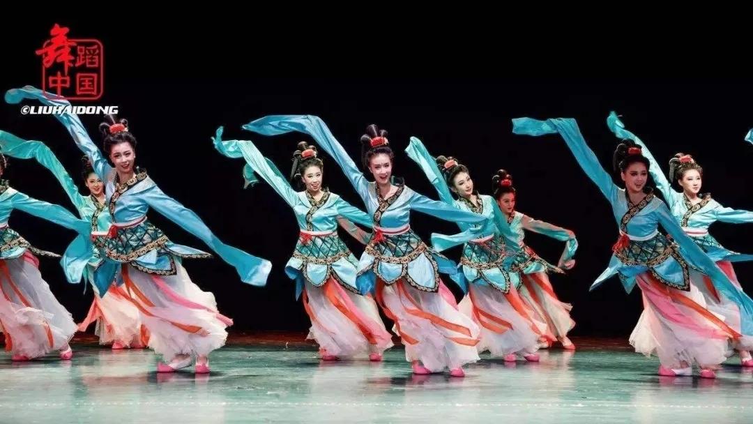 中國古典舞身韻系列課程(三)——元素《含、腆、仰》組合