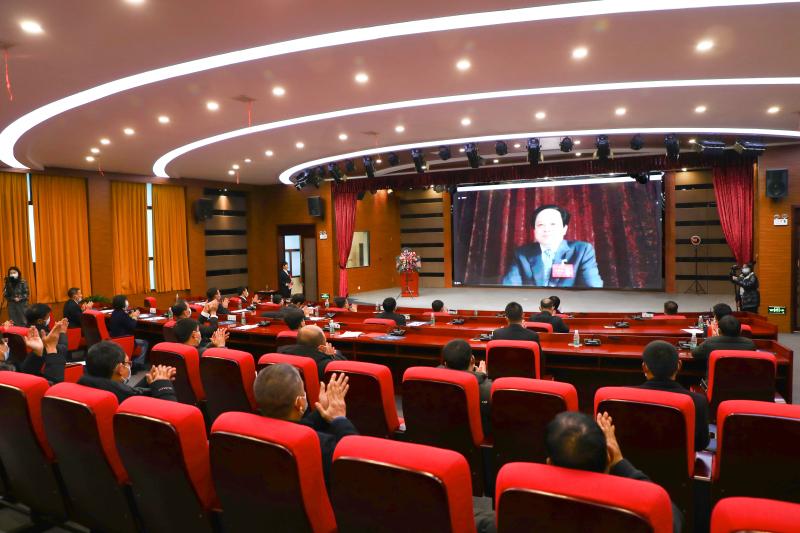 金澳控股集團董事局主席舒心博士在第五屆四次職工代表大會上作了題為《抓住機遇 堅定發展 迎接挑戰 共創未來》的報告