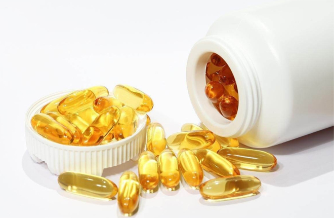 What is the difference between natural vitamin E and artificial vitamins?