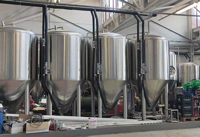 2019年6月 英國2000L 精釀啤酒交鑰匙工程完成安裝