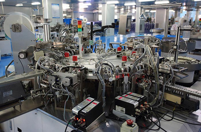 Automatic assembly equipment for drip bucket of infusion set