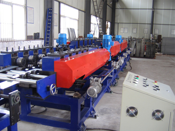 Flexible adjustable double molding machine