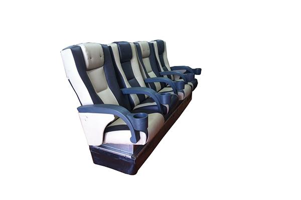 銀賓:4D座椅型
