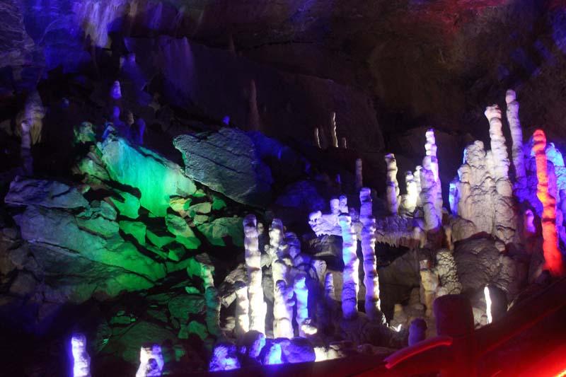 陜西漢中溶洞燈光設計施工