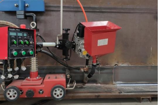 角平缝自动焊接设备