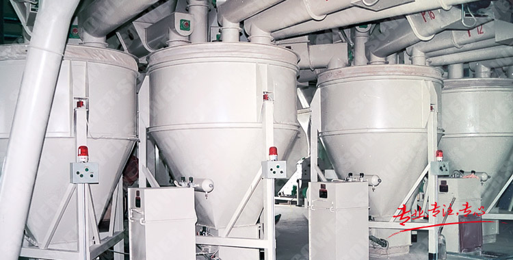 Powder conveying, measuring and feeding system