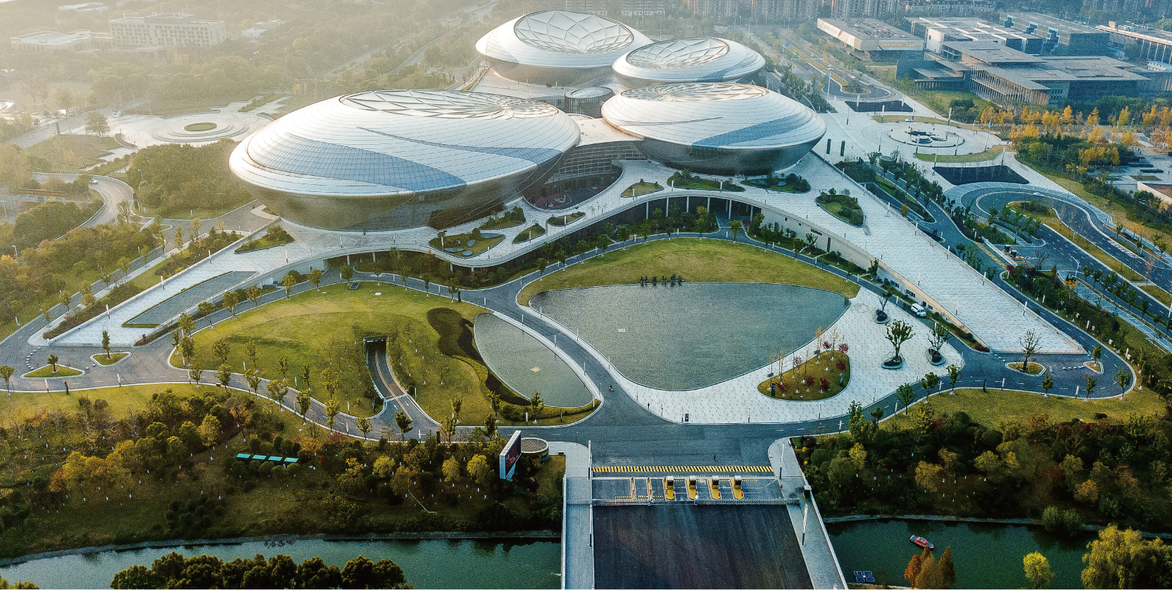 江蘇大劇院室外綠化景觀工程