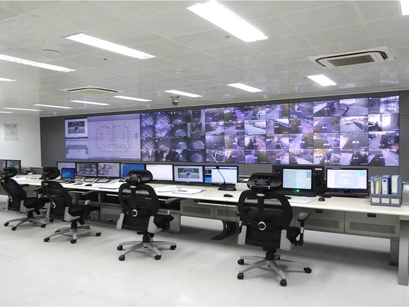 控制中心DLP大屏選用無縫拼接并采用Led背光源,即節能又環保。