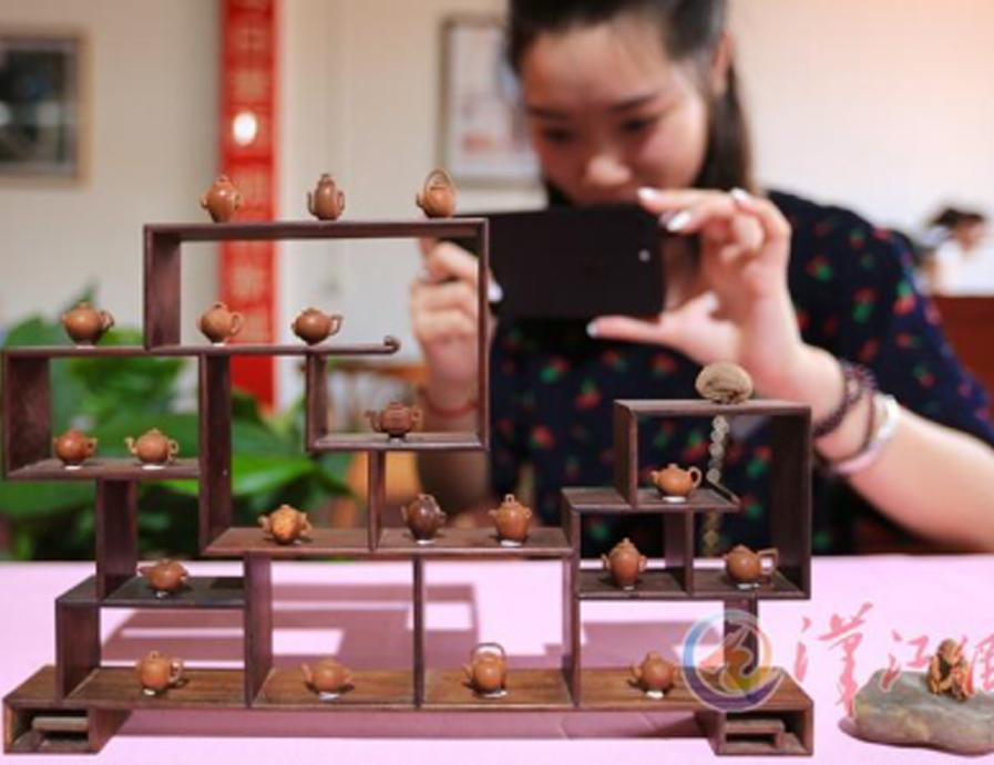 襄陽舉行工藝美術展