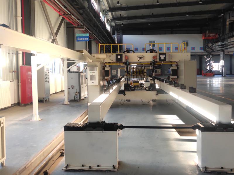 雙工頂位蓋蒙皮自動點焊接設備