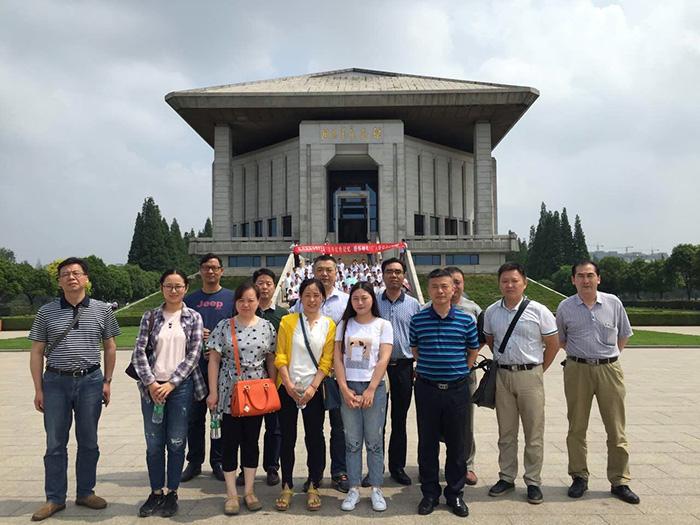 公司黨支部組織黨員參觀周恩來紀念館