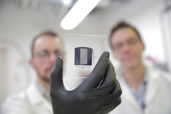 Carbon nano transistors in the performance of the first time beyond Silicon Transistors