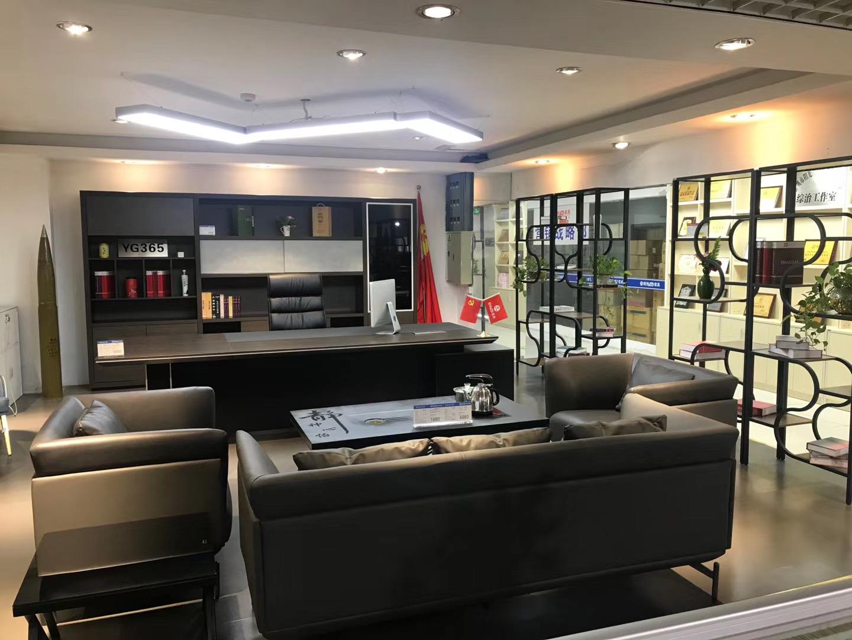 深圳哪里有辦公家具廠家,陽光365家具為您服務!