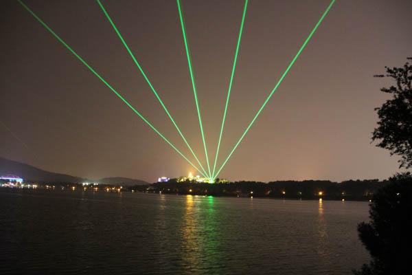 南京青奧會玄武湖賽場明城墻激光項目