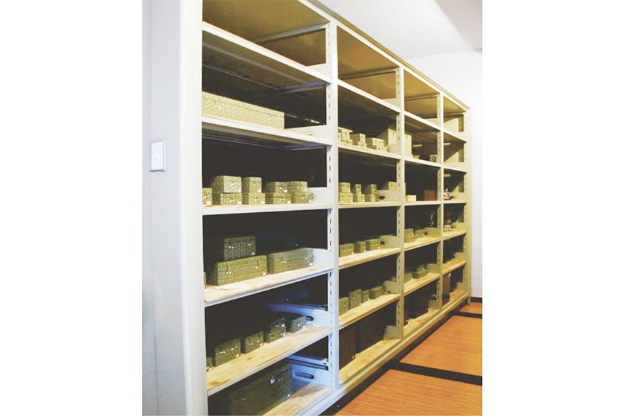 移动文物柜