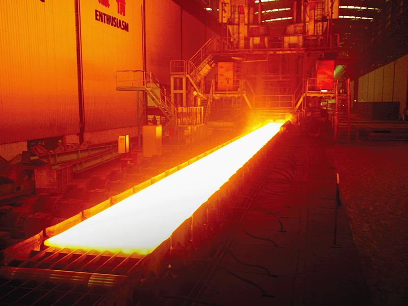 軋鋼生產現場