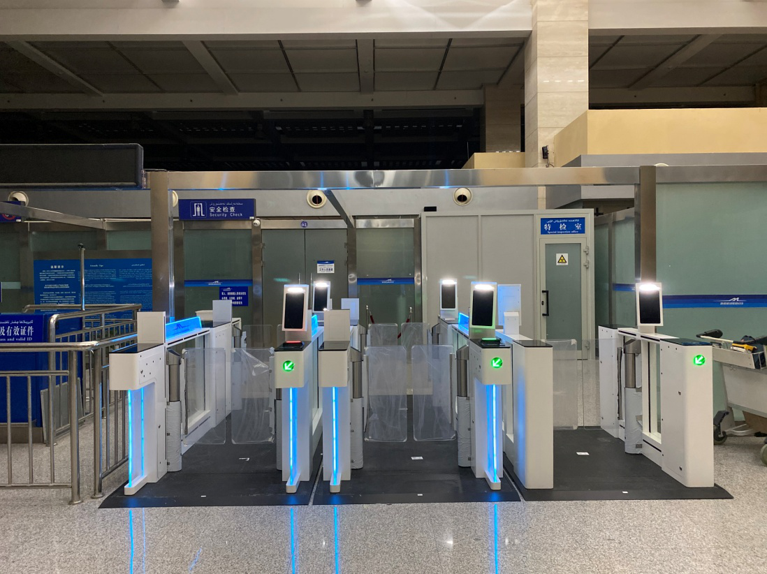 千帆自助安检闸机助推吐鲁番机场智慧升级
