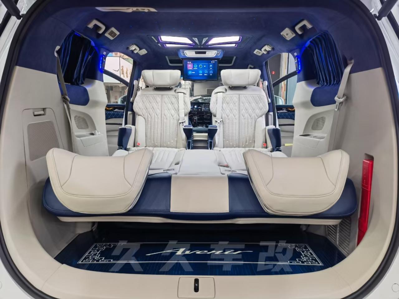 別克GL8,事業型與居家型男人的選擇,帝王藍改裝風格驚艷你!