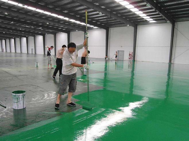 環氧地坪漆噴涂施工