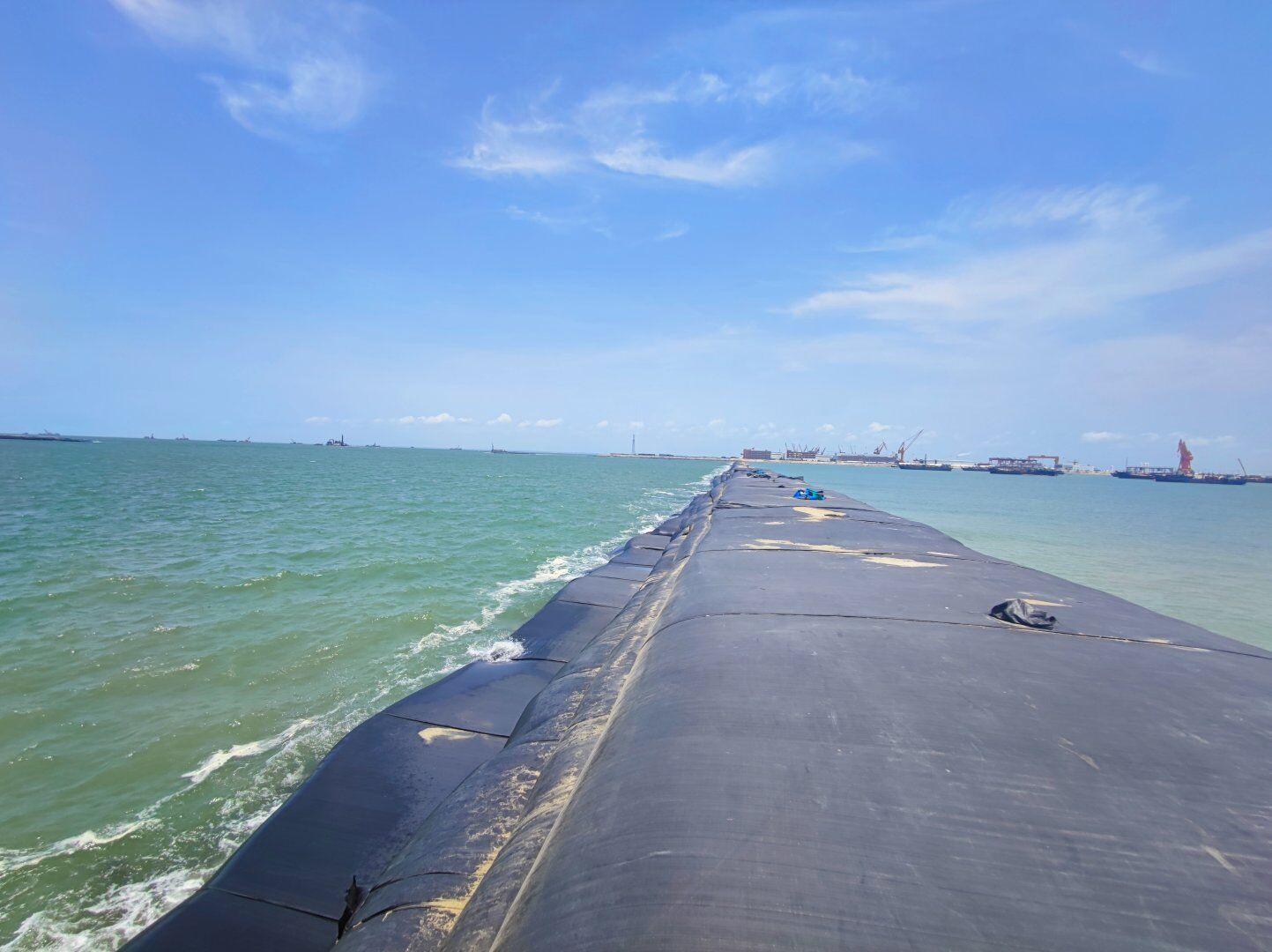 欽州港東航道擴建工程(一期)吹填區平整工程一標段圍堰工程