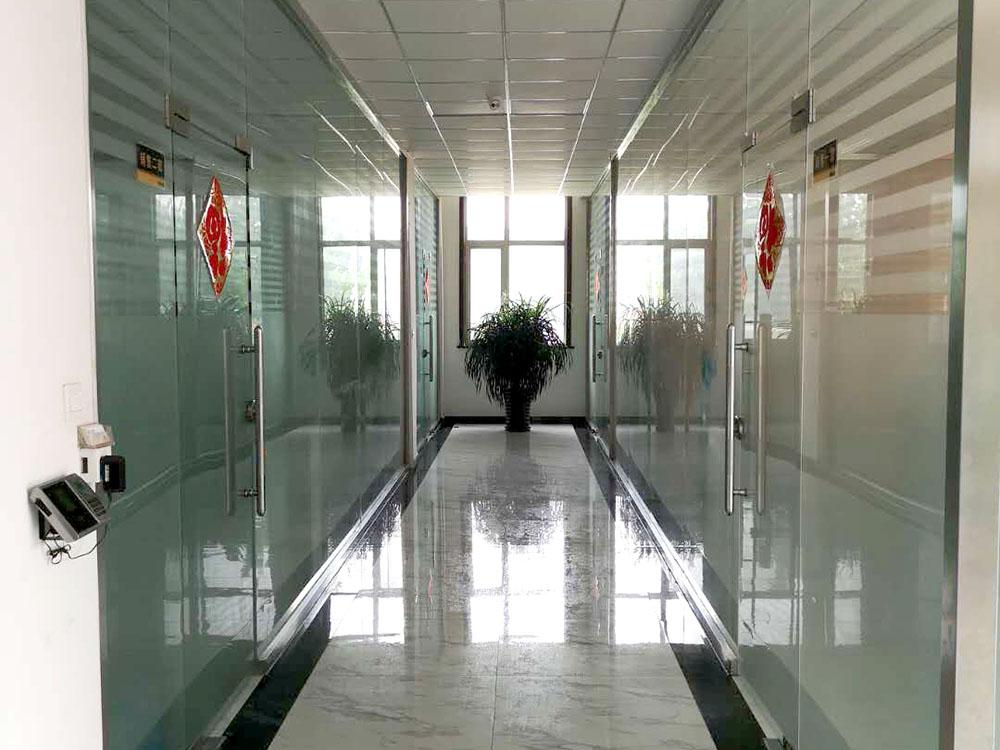 業務室走廊