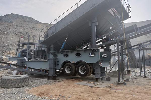 福建长乐200t/h凝灰岩轮胎式移动破碎生产线