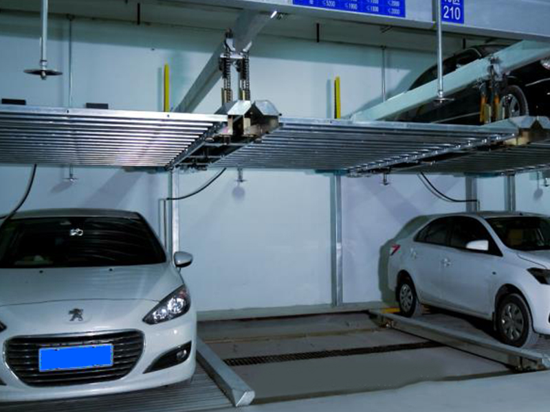 Two-layer lifting and traversing EV type (which can charge new energy vehicles)