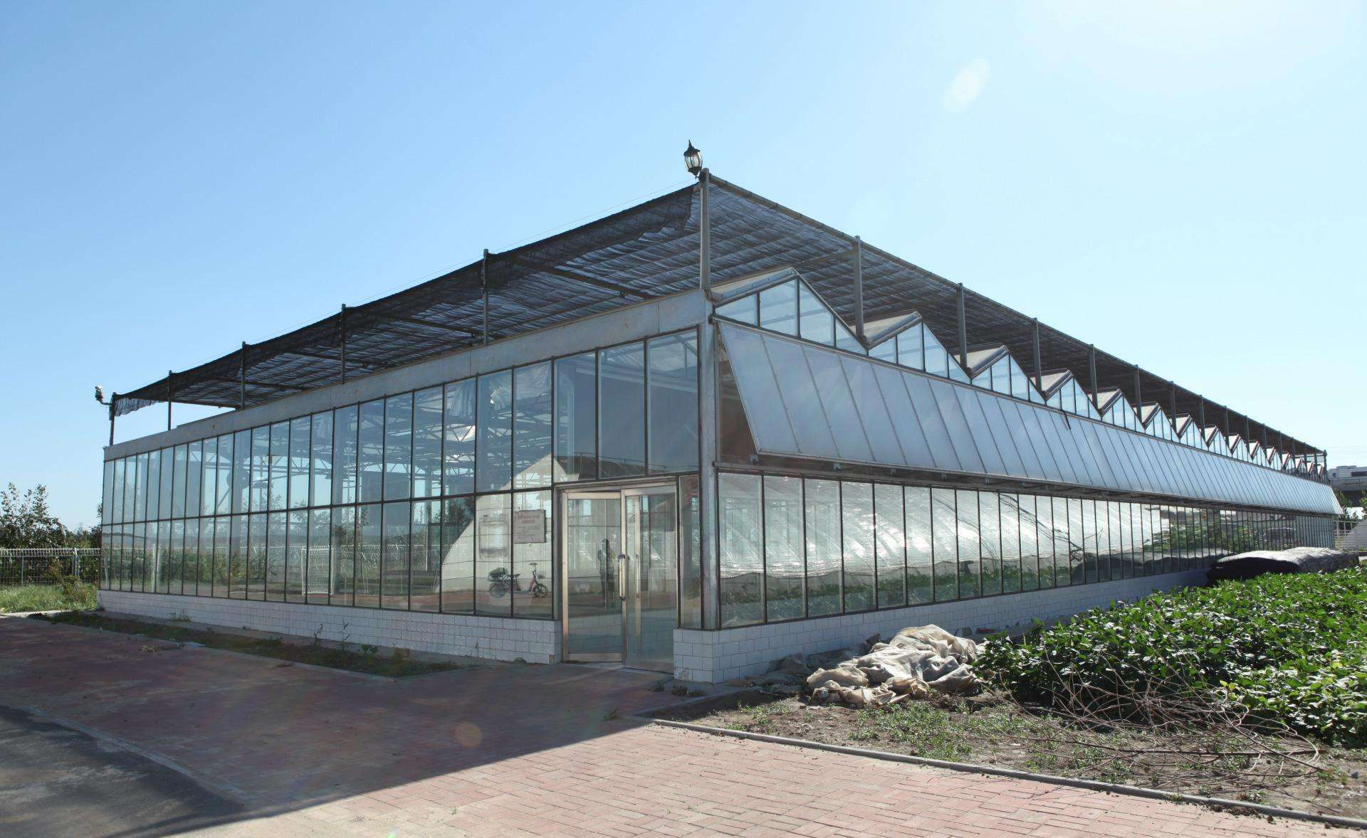 玻璃溫室和塑料大棚哪個保溫好