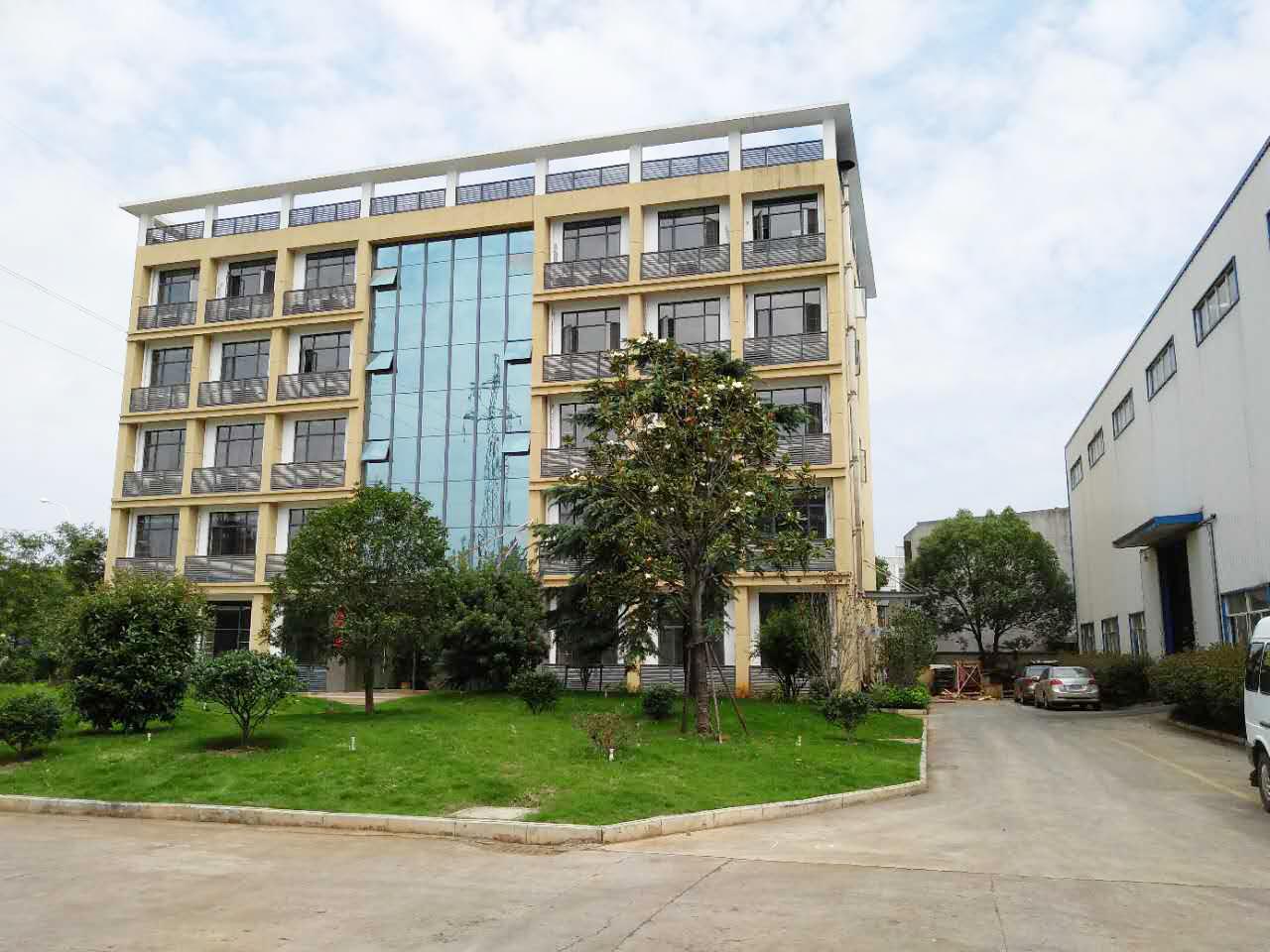 江西乾元機械制造有限公司廠房及辦公樓工程