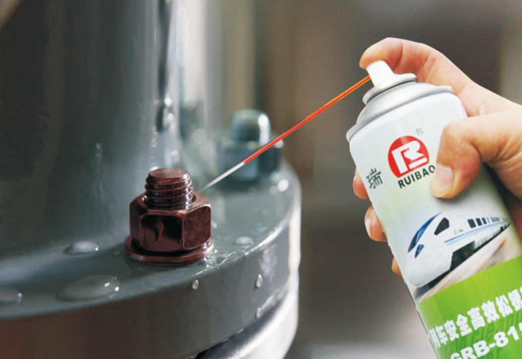 GRB-815 safe and efficient rust remover for trains
