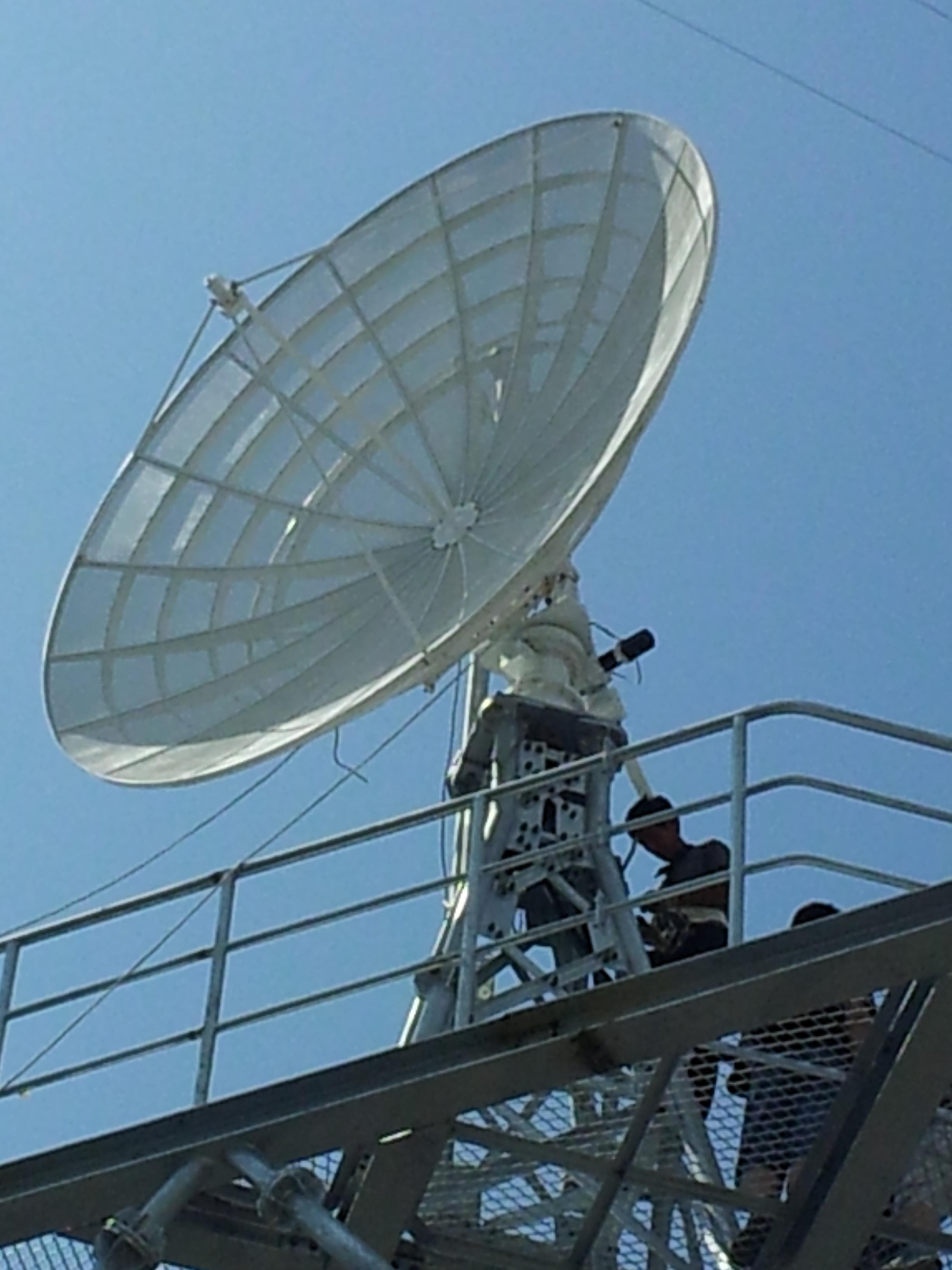 3.7米微波散射通信系统