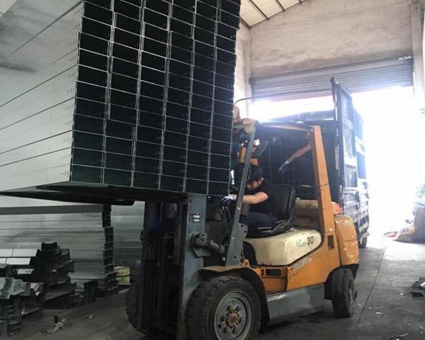 金屬線槽在電氣工程中的應用