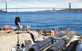 博斯布鲁斯海峡穿越工程