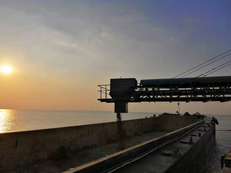 深圳機場碼頭裝船皮帶機