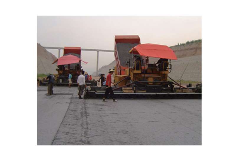 Construction machinery industry - asphalt paver