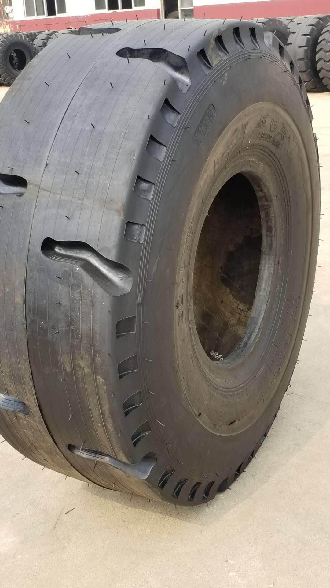 23.5-25 平板8個花的翻新輪胎